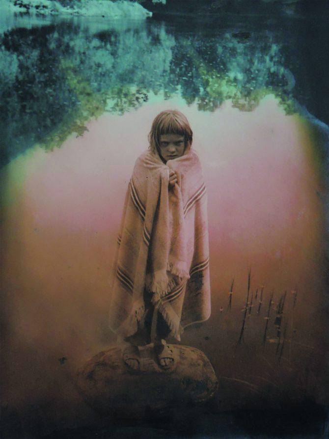 """Merike Ebrok """"Naabritüdruk: Miks mina ei või maal olla?"""" galeriis Positiiv 12.02-02.03.18"""