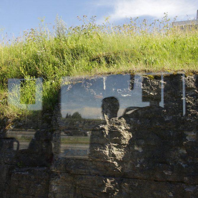 """Eve Kiiler """"Vaadates läbi akende"""" galeriis Positiiv 21.08.-11.09.18"""